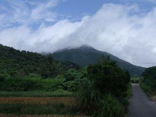 おもと岳の雲.jpg